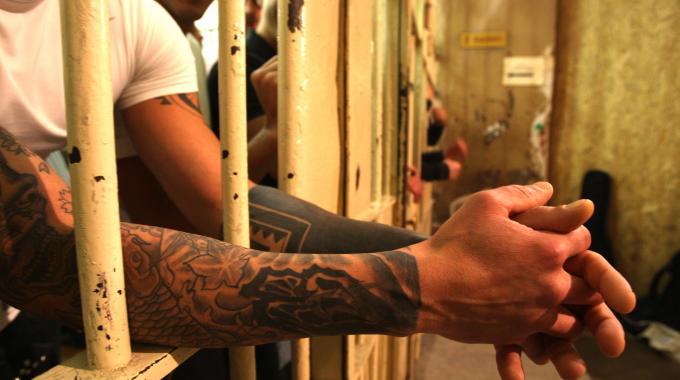 La situazione che abbiamo trovato durante la visita al carcere di Don Bosco non la possiamo definire altro che esplosiva