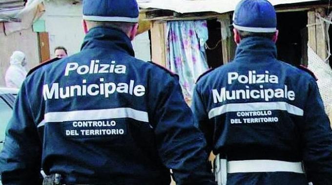 Nuovo regolamento della Polizia Municipale, no alla militarizzazione di questo corpo