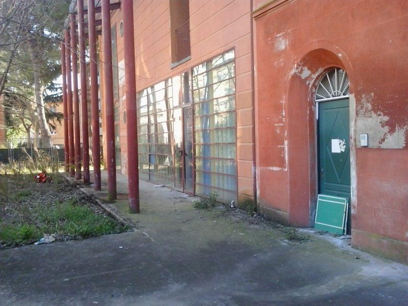 Centro di prima accoglienza in via Garibaldi, chiuso da un anno e mezzo per una ristrutturazione mai iniziata